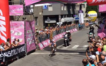 ジロ・ローザ第6ステージで日本の萩原麻由子が歴史的勝利